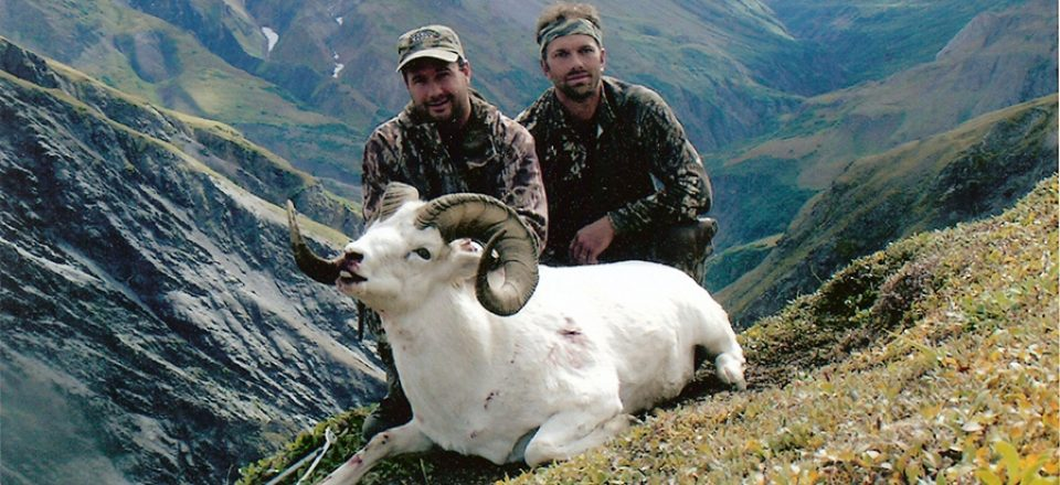 Guide-James-Dundas-and-his-39-inch-Alaska-Range-Ram